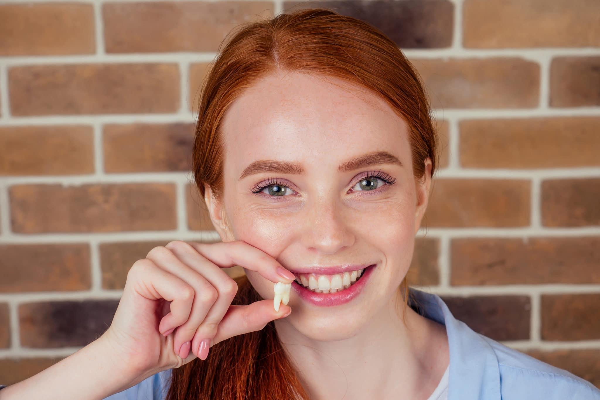 Combien de temps dure l'extraction d'une dent ? image vedette