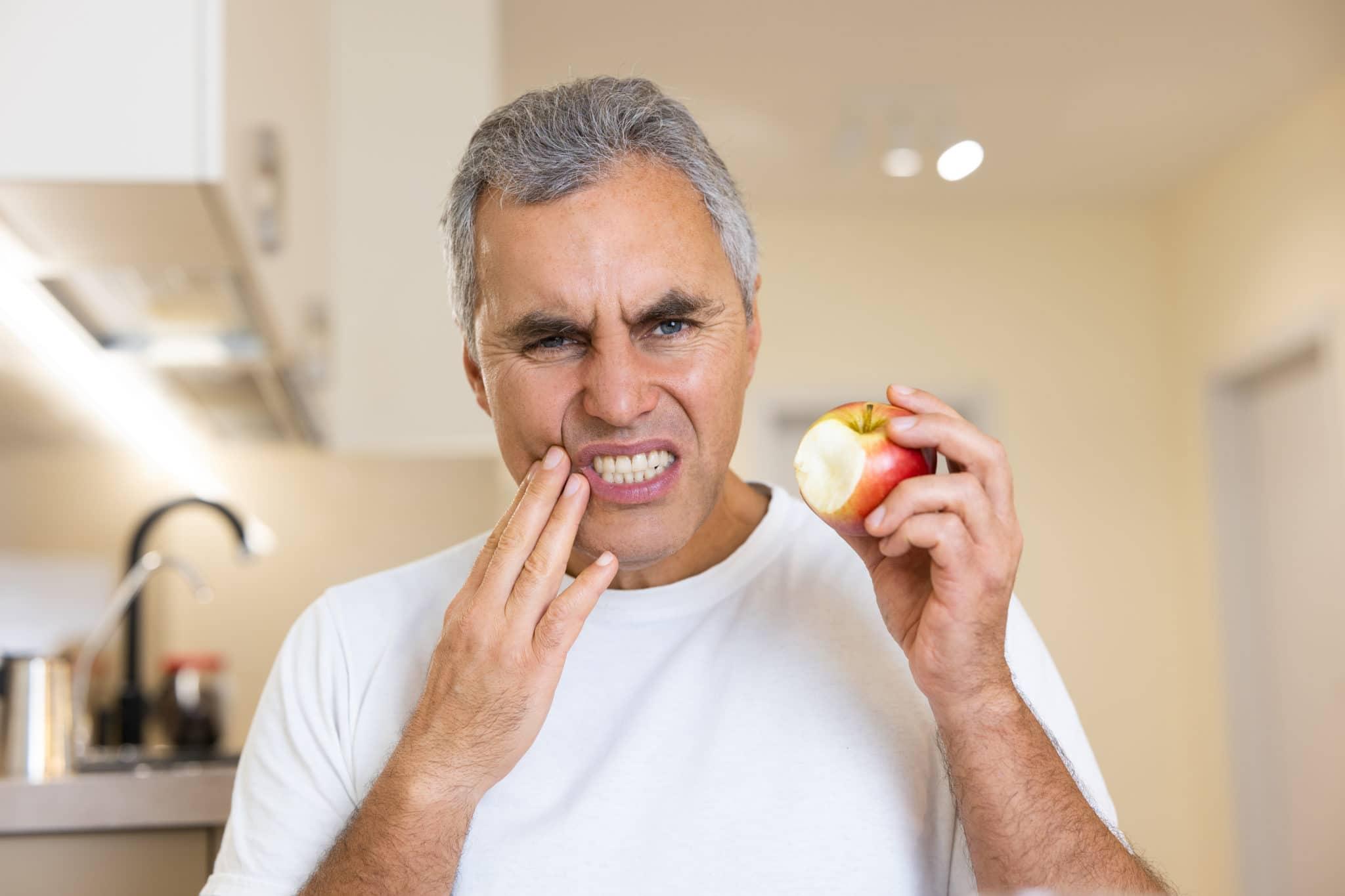 la dent me fait mal quand je mords Image en vedette